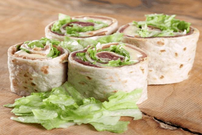 Wrap med baguette-skinke og brie